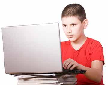 teen-on-laptop